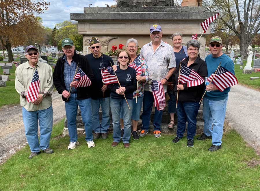 amvets post 99 placing flags